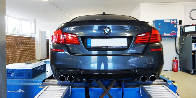 BMW M5 717PS 1042NM
